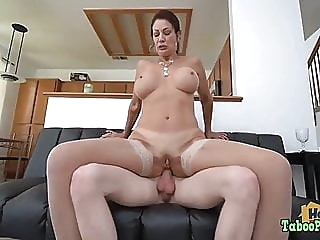 Naughty Birthday Photoshoot With Mom anal blowjob cumshot video